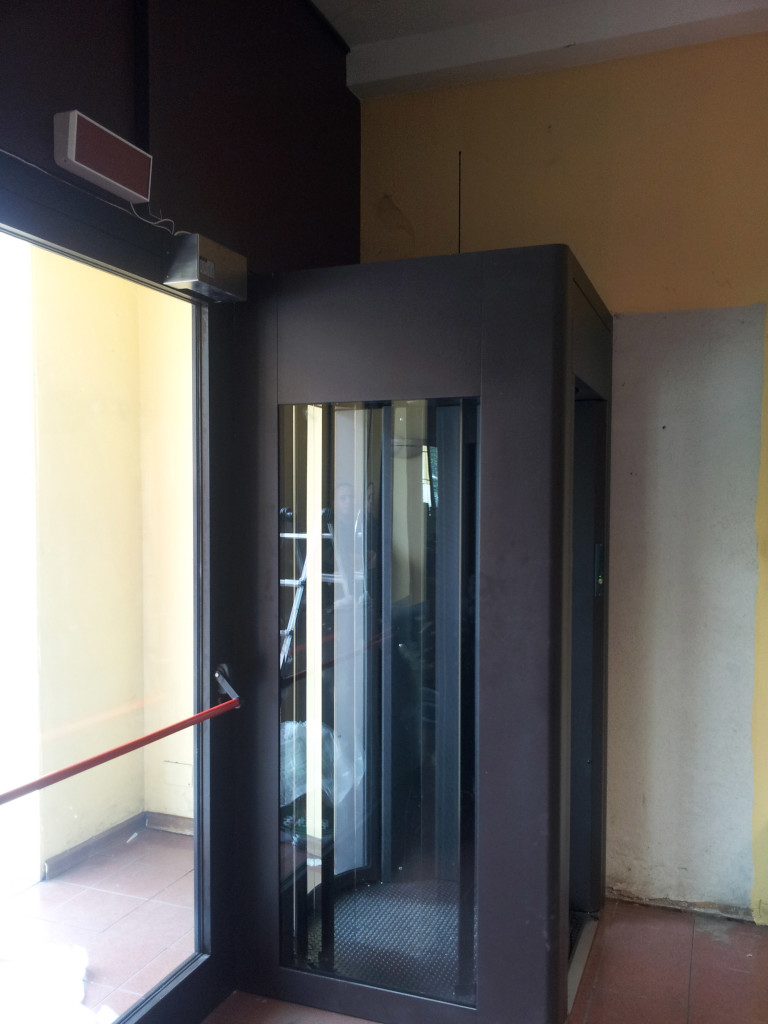 Bussola D'ingresso + Porta di emergenza